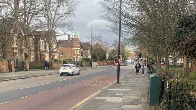 Улиците на Лондон са необичайна тихи и спокойни