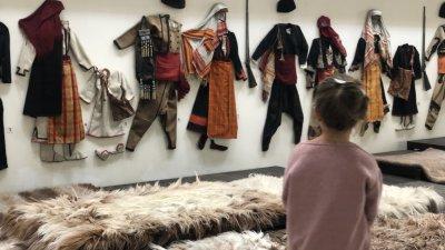 Регионалният музей в Смолян предлага богата колекция за бита и културата на Родопите