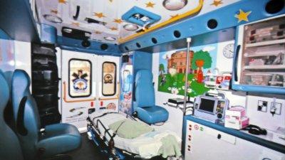 Отделението по Неонатология откри нова дарителска кампания за закупуване на специализирана линейка.