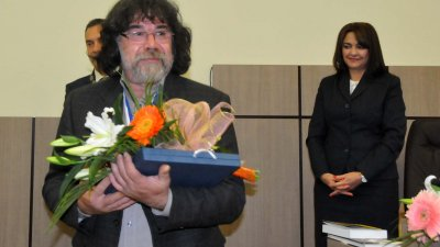 Радостин Дамасков с Ключа от кулата на Община Бургас