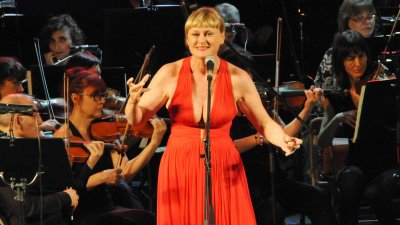 Веселина Кацарова за първи път пя пред бургаската публика