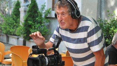 Росен Петров е зад камерата като оператор и режисьор