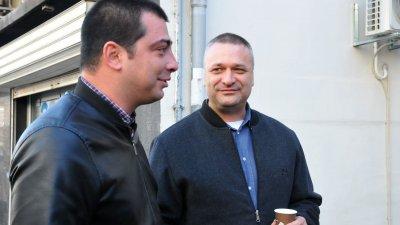 Тодор Байчев (вдясно) е трети в листата