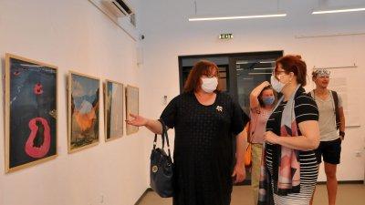 """Изложбата """"Кристо - ранни етюди"""" с творби на големия художник Христо Явашев откриха в галерията на Националната художествена академия - филиал Бургас. Рядко покаваната експозиция е от Музейната сбирка на НХА, и може да се види в залата на Магаия 1 до 30-и юли 2020 година. Снимки Черноморие-бг"""