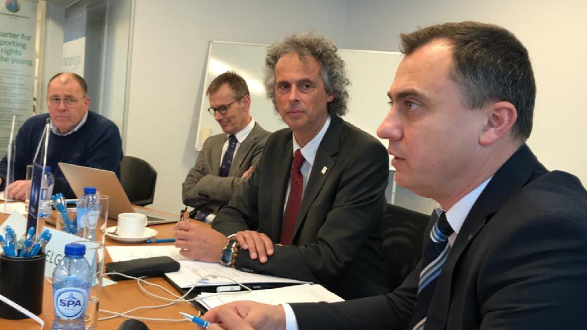 Стефан Колев (на преден план вдясно) бе избран за вицепрезидент
