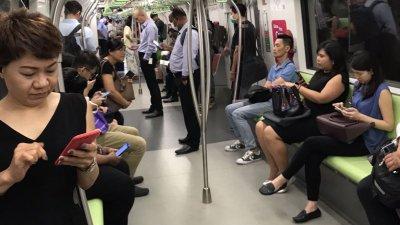 Маски в Сингапур носят болните. Снимки Тодор Петров