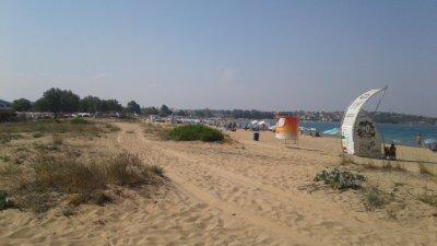 Плажът на къмпинг Черноморец е една от ивиците, за които се търси стопанин. Снимка Архив