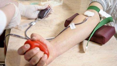 Всеки, който желае може да дари кръв. Снимка Архив
