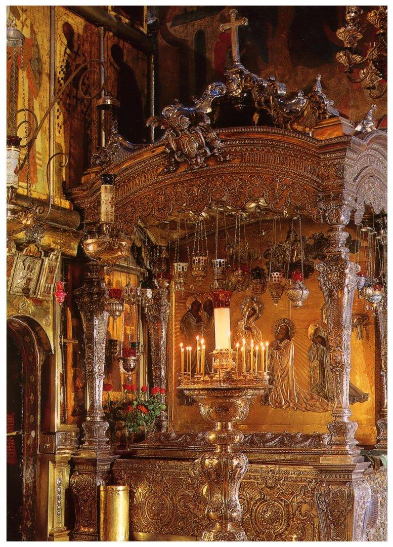 Мощите на светеца се пазят в Троице-Сергиевата лавра и привличат хиляди за поклонение