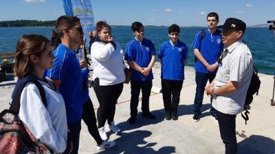 Това бе първият ден от плавателната практика на учениците. Снимки ПГМКР