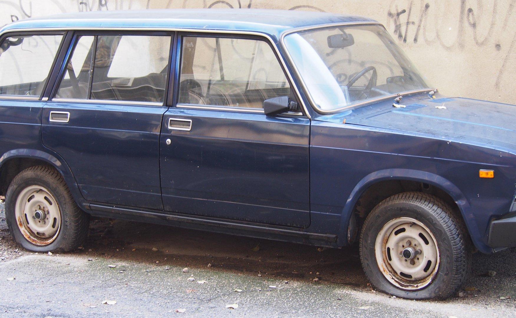 Екоинспекторите са маркирали общо 392 старите коли със специални стикери