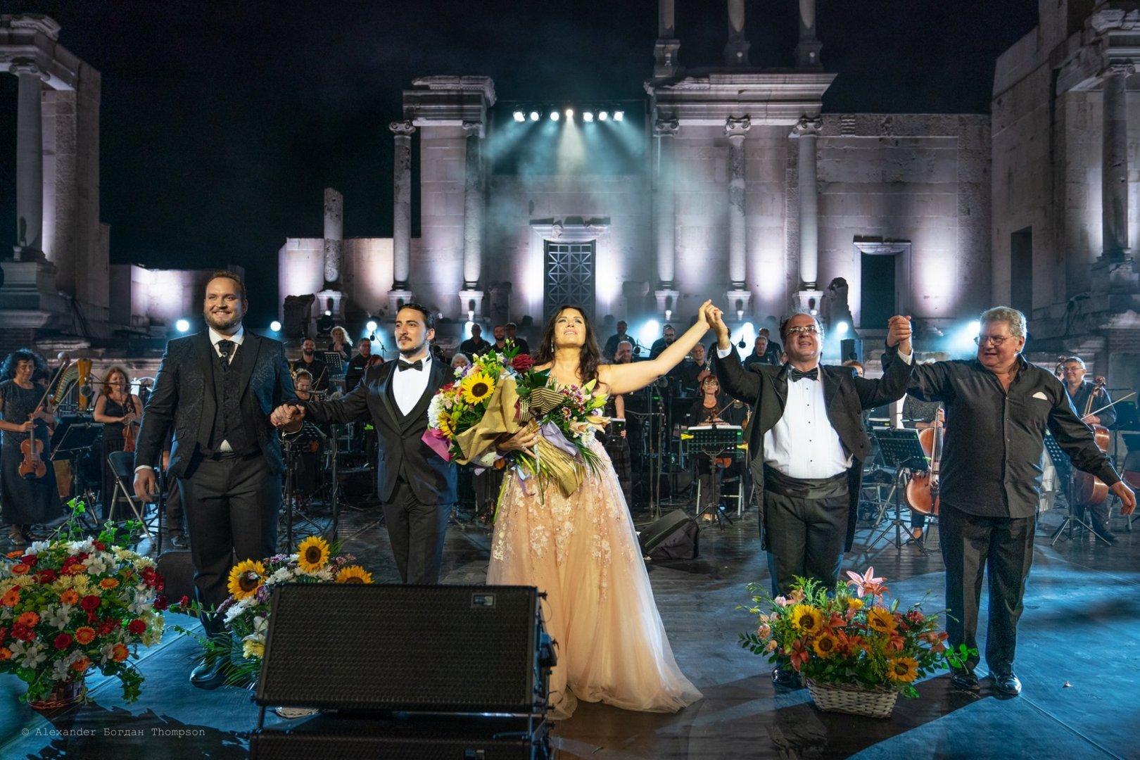 Соня Йончева се завърна триумфално в родния Пловдив. Снимки State Opera