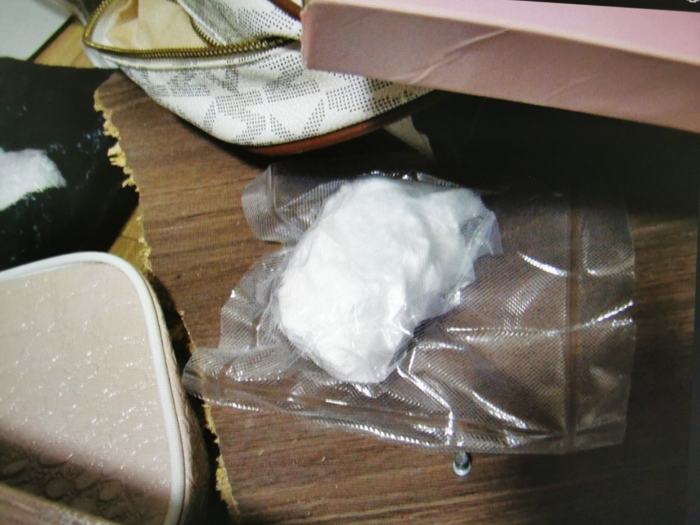 Кокаинът е иззет при претърсване на жилище в Поморие. Снимки Областна дирекция на МВР - Бургас