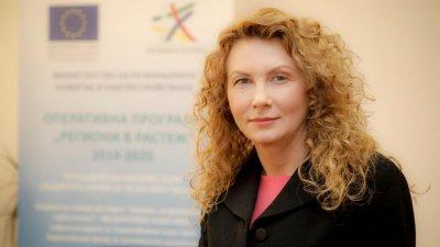 Деница Николова ще е кандидат за депутат от Бургас
