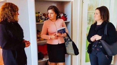 Галя Желязкова най-често отговаря на въпроси от социалната сфера