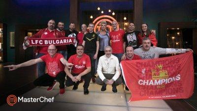Владимир Ташев (клекналият вдясно) остана без пица и гласът му се оказа решаващ при отборната битка. Снимка MasterChef