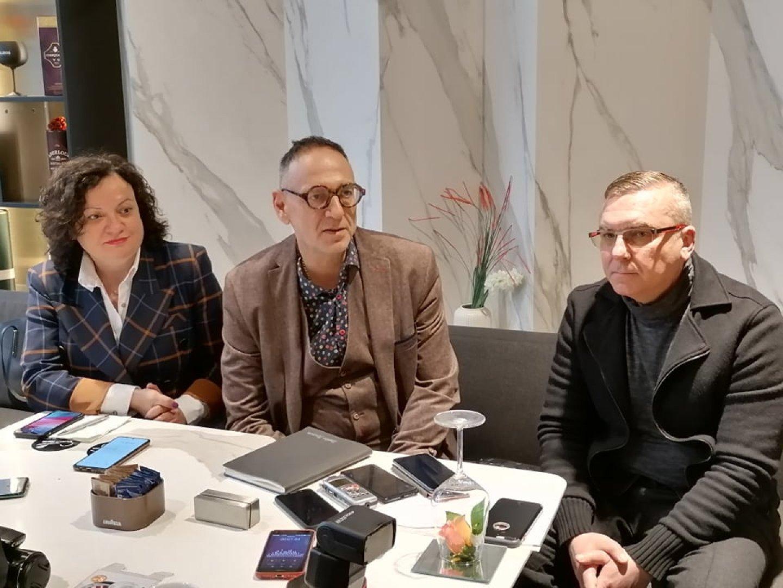 Ивелина Василева, Любен Дилов - син и Димитър Бойчев се срещнаха с журналисти за първи път след изборите, които се проведоха на 4 април. Снимка Черноморие-бг