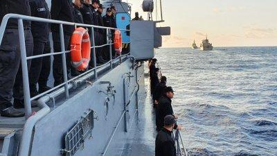 Участието на фрегатата в учението на НАТО продължава. Снимки ВМС - Варна