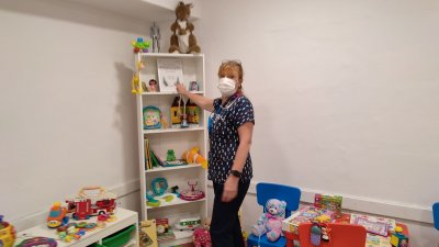 Детският кът е създаден за по-малко от месец и ние сме щастливи, че го има, сподели началникът на отделението д-р Хрипсиме Каспарян. Снимки УМБАЛ - Бургас