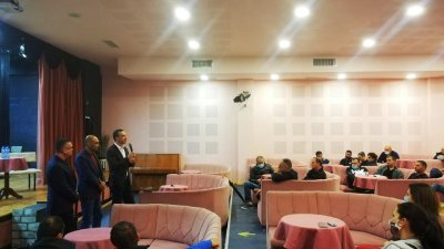 Като кмет не видях никаква сигурност в предходия парламент, бизнесът също, а той е стълб на икономиката ни, заяви Димитър Николов
