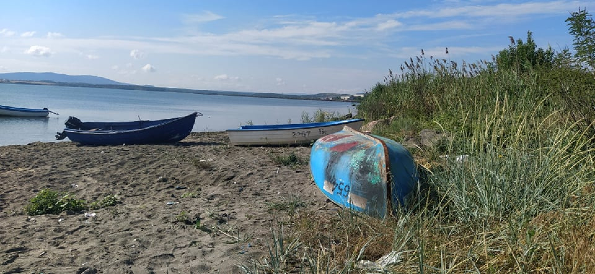 30 лодки са установени на суха и на вода по време на проверката. Снимки Областна управа