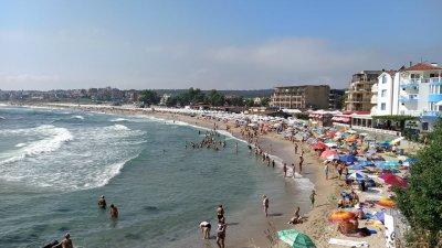 Влажността на въздуха по морето е от 66 до 90%