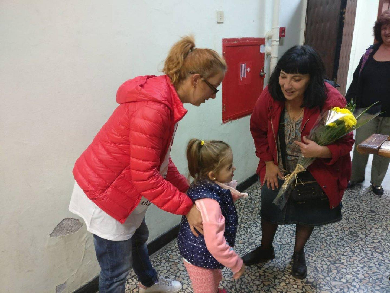 Мая Новоселска се срещна с малката Крис