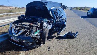 Инцидентът е станал на км. 532 в посока Бургас на магистрала Тракия. Снимки ОД на МВР
