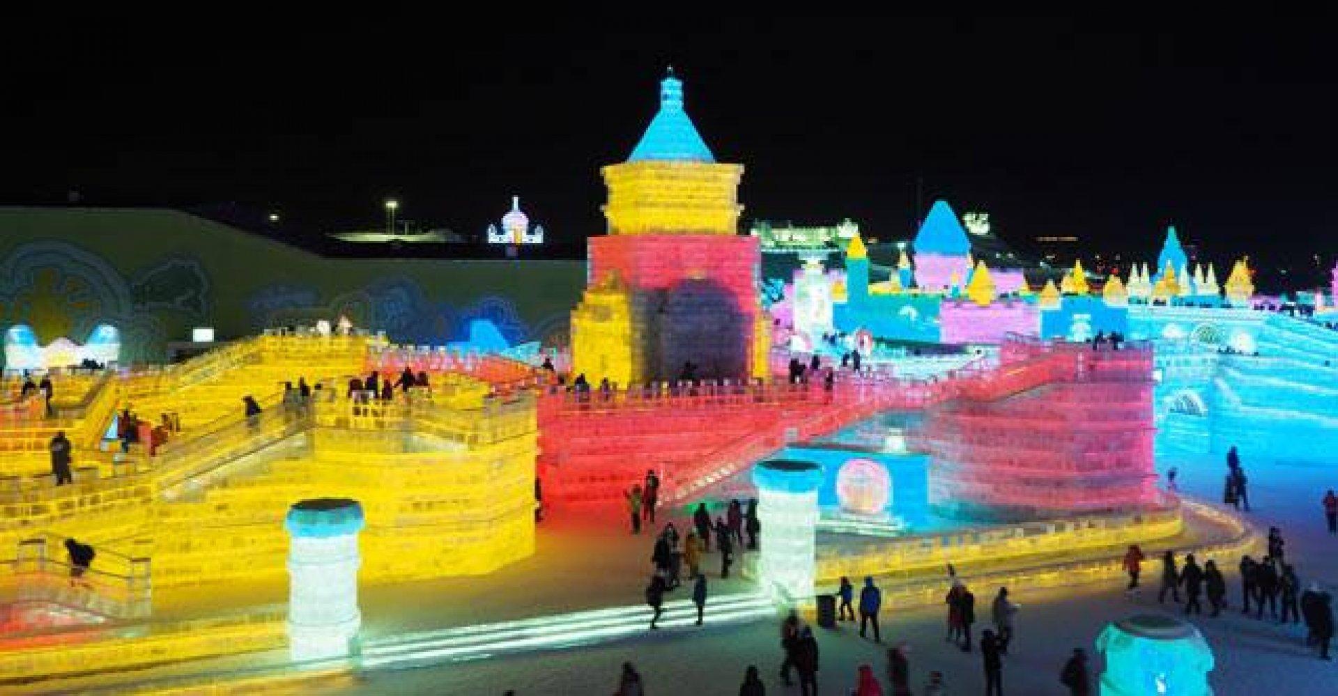 Изложбата показва красотата на китайския град Харбин