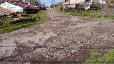 Проблема улична мрежа е една от темите споделяни по време на срещите с кандидат депутатите Таня Иванова и Паруш Парушев
