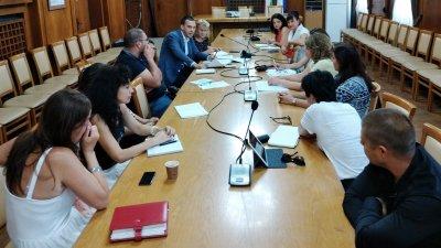 В срещата взеха участие и хора с увреждания и неправителствени организации. Снимка пресцентър Община Бургас