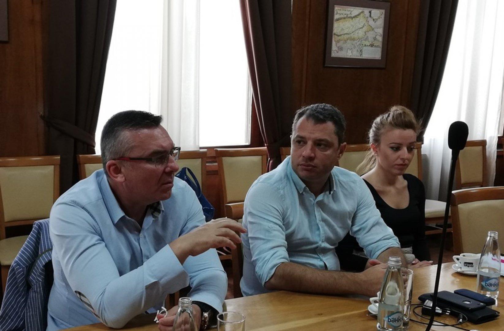 Изнесеното заседание на парламентарната комисия се проведе в сградата на Общината. Снимки Пресцентър ГЕРБ