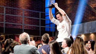 Станислав Райчев показа, че умее и добре да готви и така спечели титлата
