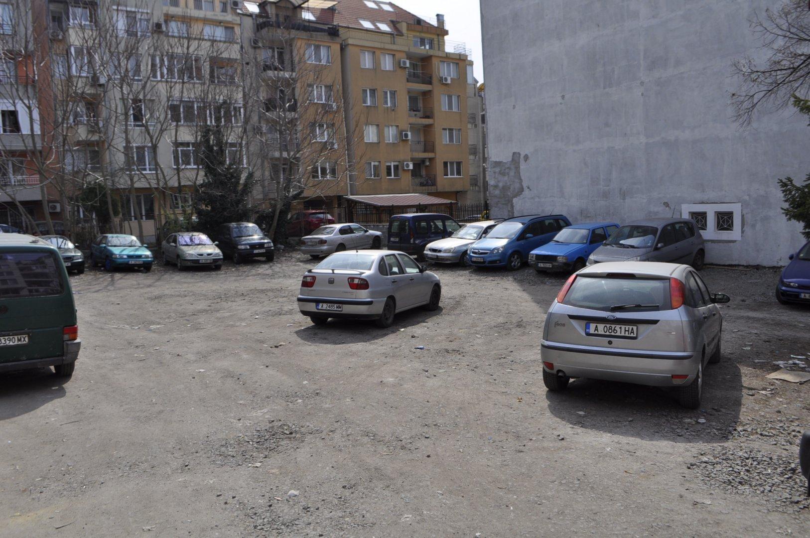 Терените се намират на няколко места в град. Снимки Община Бургас