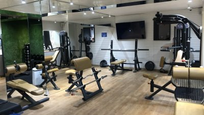 Много от фитнес залите в Бургас са празни, дори след като здравното министeрство им разреши да работят. Снимка Авторът