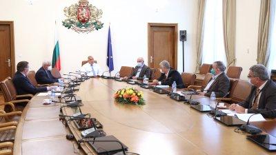България заедно с още три страни са единствените в Европа с отрицателна тенденция от минус 6,5% по отношението на новорегистрираните случаи през последните две седмици стана ясно по време на срещата. Снимка Министерски съвет