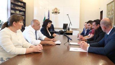 Намаляване на ДДС-то беше коментирано от премиера Бойко Борисов и представители на Асоциацията на заведенията в България и Българската хотелиерска и ресторантьорска организация. Снимка Министерски съвет