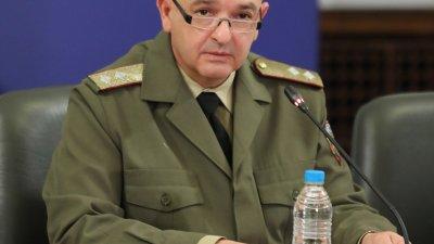 Ще имаме възможност да тестваме по 3 000 души на ден, каза генерал - майор Мутафчийски. Снимка Министерски съвет