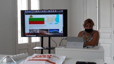 В момента двама от преподавателите в гимназията участват в курс в Барселона. Снимки СУ Св. св. Кирил и Методий