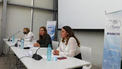 Зорница Русинова (в средата) разясни политиките на Министерството на труда и социалната политика. Снимки ГЕРБ