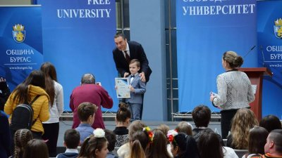 Лъчезар е най-малкият победител в състезанието. Снимка Архив Община Бургас