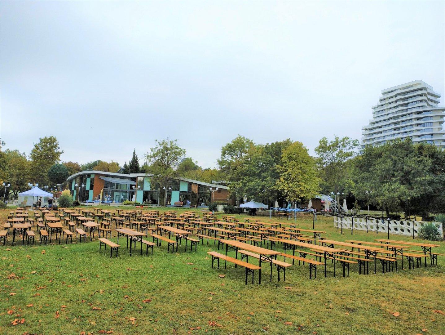 Подготовката за фестивала вече е в разгара си. Снимка Община Бургас