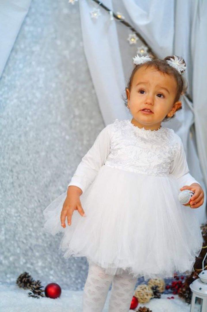 Аляра Фета и е на година и осем месеца
