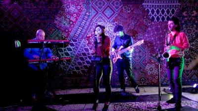 Групата свири основно в столични клубове. Снимка Electric Pie