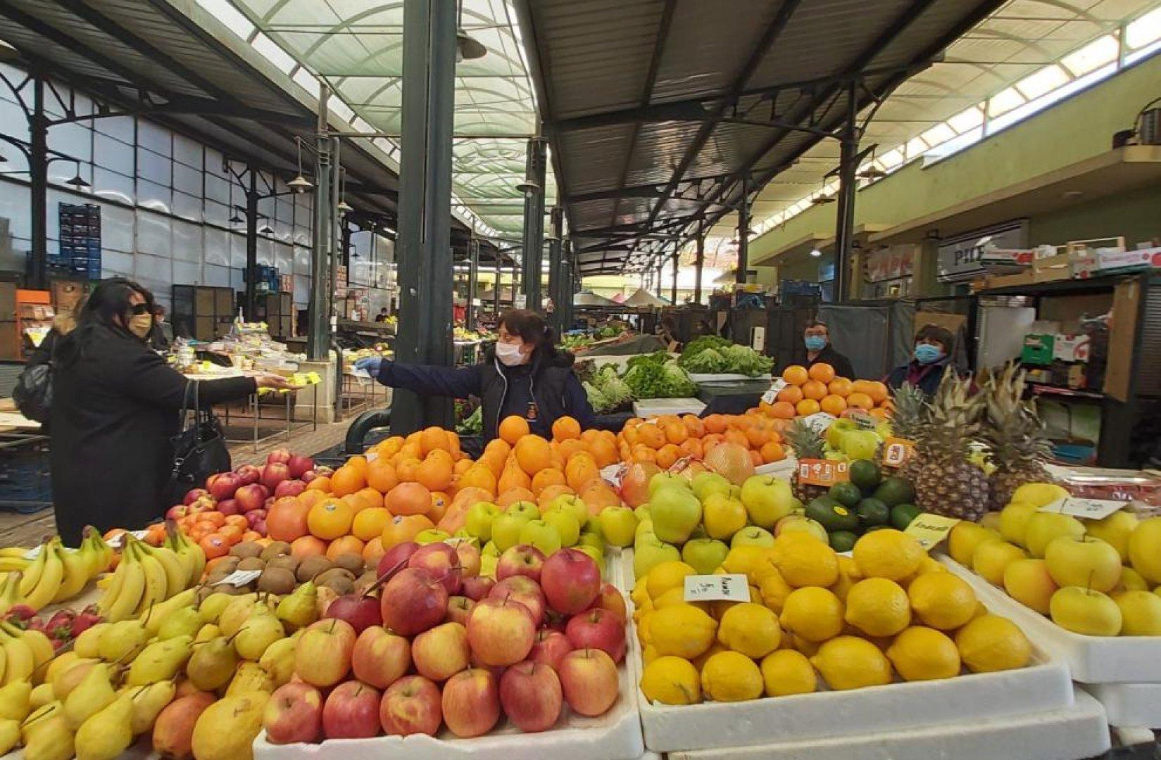 50% ще бъдат намалени и таксите за ползване на площи на пазари и тържища в Бургас. Снимка Архив