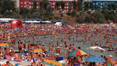 Приходите от български граждани се е увеличил