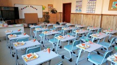 С 200 са повече учениците, които тази година тръгнаха на училище в Бургас. Снимки Община Бургас