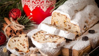 Коледният щолен е традиционен сладкиш в Германия за Рождественските празници