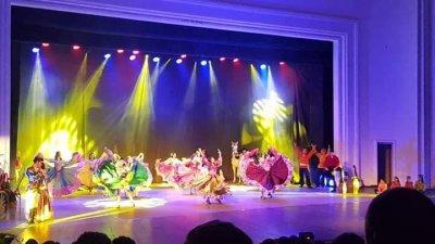 Зрителите в Летния театър аплодираха изпълненията на артистите