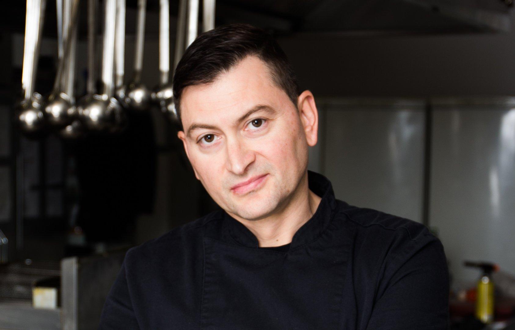 Шеф-готвач Красимир Петров от екипа на Средиземноморски ресторант Салини в Гранд Хотел и СПА Приморец